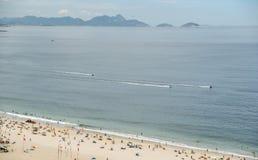 Jato-esquis em Copacabana, Brasil imagem de stock royalty free