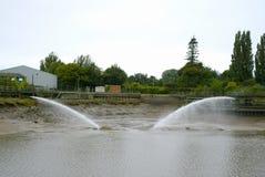 Jatos de água que cancelam a baía de giro do navio Imagem de Stock Royalty Free