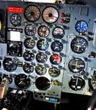 Jauges de cadran sur le panneau de commande d'aéronefs Images libres de droits