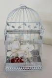 Jaula de pájaros del regalo de boda Fotografía de archivo libre de regalías
