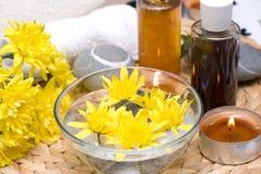 jaune de flottement de fleur Photo libre de droits