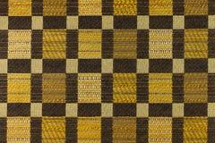 Jaune - fond brun avec les modèles géométriques Photos stock