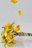 jaune sec de roses Photos libres de droits