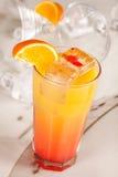 Jaunissez la boisson images stock
