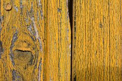 Jaunissez le bois peint avec beaucoup de détail dans la texture photographie stock