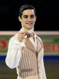 Javier FERNANDEZ (ESP) levanta com medalha de ouro Imagem de Stock Royalty Free