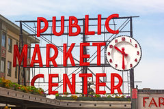 Jawnego rynku centrum podpisuje wewnątrz Seattle śródmieście Fotografia Royalty Free