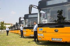 Jawnego transportu autobusów nowi kierowcy Obraz Royalty Free