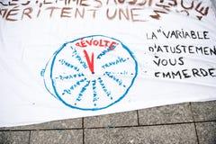 Jawni plakatów rysunki na miejscu Kleber dla nadchodzących protestów Zdjęcia Stock