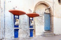 Jawni telefoniczni booths w Medina Essaouira Maroko Obraz Royalty Free