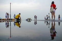 Jawny ładunku prom, Kennedy miasteczko, Hong Kong: jeden few najlepszy miejsca dla brać zmierzch fotografie z odbiciem zdjęcia royalty free