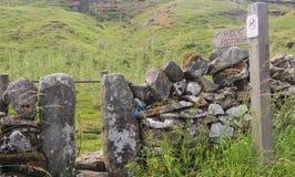 Jawny footpath podpisuje wewnątrz Yorkshire Fotografia Stock