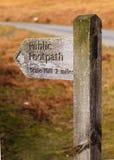 Jawny Footpath znak Zdjęcie Stock