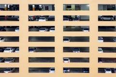 Jawny parking samochodowy od strony, Bangkok, Tajlandia. Fotografia Royalty Free