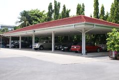 Jawny Samochodowy port Parking samochodowy Parking teren Zdjęcia Stock