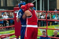 Jawny występ dziewczyn boksować Zdjęcie Royalty Free