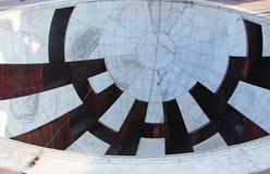 Jaya Prakash Yantra - um instrumento astronômico no obervatório antigo, Jantar Mantar, Jaipur, Rajasthan, Índia imagem de stock