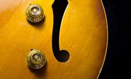 Jazz Guitar Volume e Tone Knobs Fotografia Stock