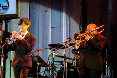 Jazz Minions-Band führen im Jazz im Gedächtnis bei Bangsaen durch Lizenzfreie Stockfotos