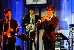 Jazz Minions-de band presteert in Jazz in geheugen in Bangsaen Royalty-vrije Stock Afbeelding