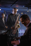 Jazz Musicians In Club Royaltyfri Foto