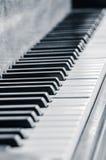 Jazz Piano Keys i svartvitt Fotografering för Bildbyråer