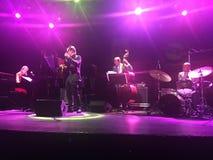 Jazz vibes met Sarah McKenzie Stock Fotografie