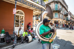 Jazzband i franska QuarterIn, New Orleans Arkivbild