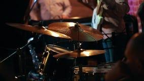 Jazzbandlekar i stången stock video
