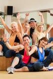 Jazzdance - dancing dei giovani nello studio Immagine Stock