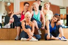 Jazzdance - dancing dei giovani nello studio Fotografia Stock