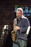 Jazzman Mikolaj Trzaska under konsert Royaltyfri Fotografi