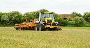 JCB fastrac tractor with cultipress Stock Images