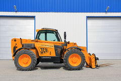 JCB 535-95 Telescopic Handler by Warehouse Stock Photos