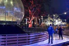 Jeździć na łyżwach w Rathaus parku, Wiedeń zdjęcia royalty free