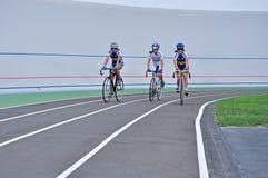 Jeździć na rowerze ślad, atlety na rowerowych śladach Fotografia Royalty Free