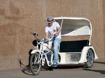 Jeździć na rowerze wokoło miasta Obrazy Stock