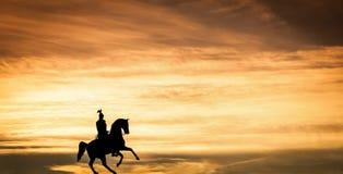 Jeździec przy półmrokiem Zdjęcia Royalty Free