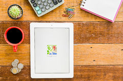 Je capitonne 4 apps ouverts de carte de Google Image stock