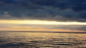 Jeûnent la pousse d'un coucher du soleil en Croatie, l'Europe clips vidéos