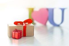 Je t'aime et moi donnez-vous un cadeau Photographie stock libre de droits