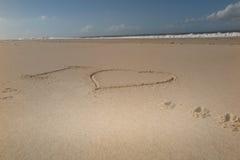 Je t'aime, jour de valentines sur le sable près de la mer Photo libre de droits