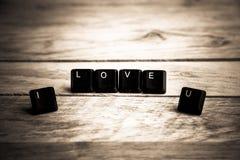 Je t'aime mot sur le floor8 en bois Photos stock