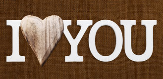 Je t'aime texte avec le coeur en bois Photographie stock