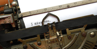 Je vous manque, vieille machine à écrire photographie stock