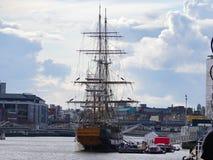 Jeanie约翰斯顿饥荒船在都伯林,爱尔兰 免版税库存图片