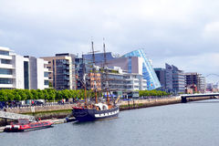 Jeanie Johnson Sailing-schip op de Rivier Liffey, Dublin, Ierland stock fotografie