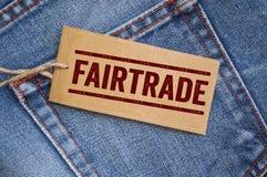 Jeans bleus de denim avec des étiquettes image stock