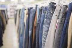 Jeans du ` s d'hommes Photographie stock libre de droits