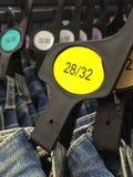 Jeans in een opslag Royalty-vrije Stock Afbeeldingen